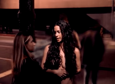Alanis Morissette Pioneered Ugly Nudity Long Before Lena Dunham