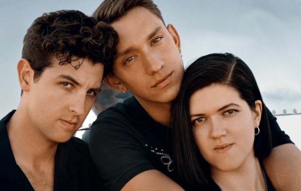 The xx Sees You