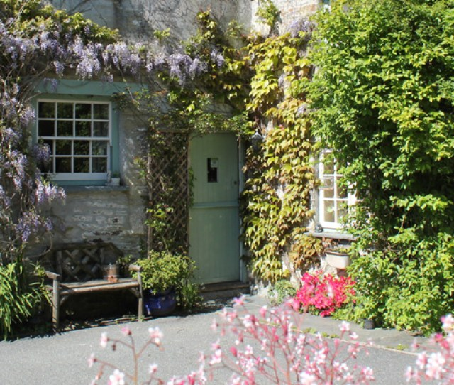 Culloden Farmhouse Is A High Quality Self Catering And Vegetarian Vegan Bed And Breakfast Establishment Set In Peaceful Gardens Yet Only  Yards From