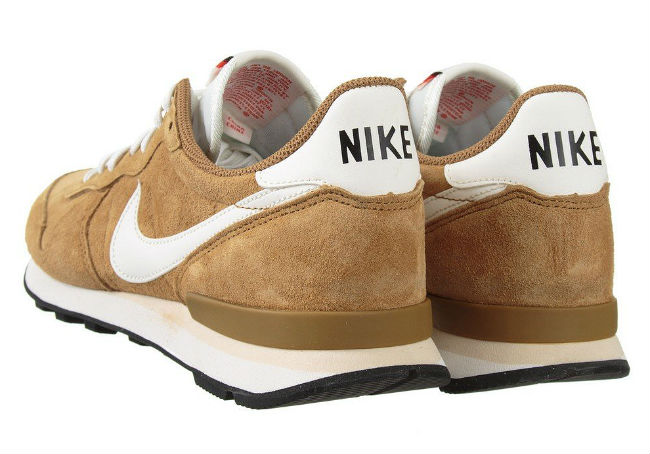 nike internationalist beige suede