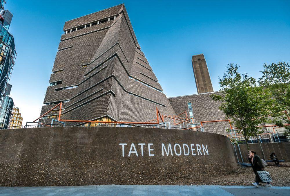 Yayoi Kusama's Mesmerizing Infinity Rooms Coming to Tate Modern