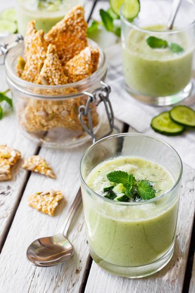 Soupe froide de concombre et feta