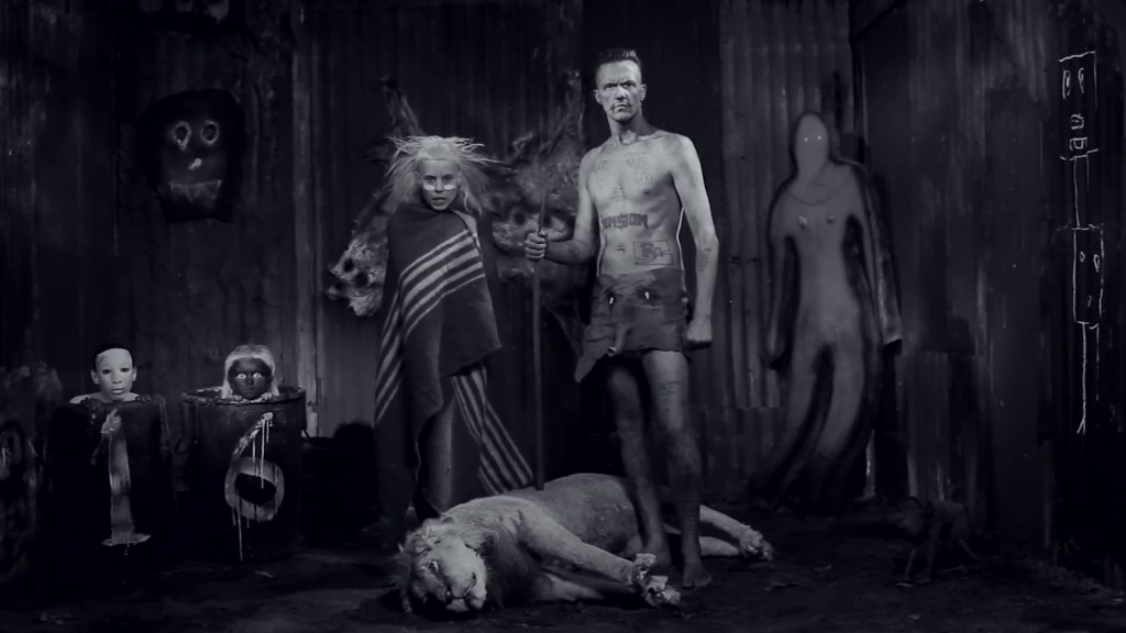 "Roger Ballen, Shack Scene, 2012, Still da video ""I Fink You Freaky. ©Roger Ballen"