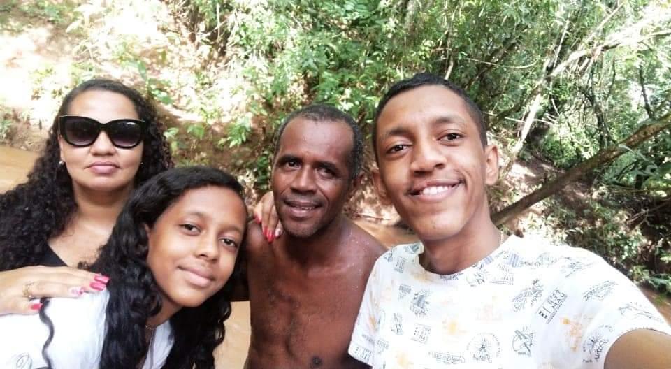 Família de aluno