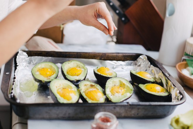 baked avocado eggs | cultural chromatics-4
