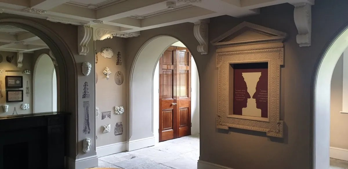 Pitzhanger Manor room with classical artefacts from Grand Tour