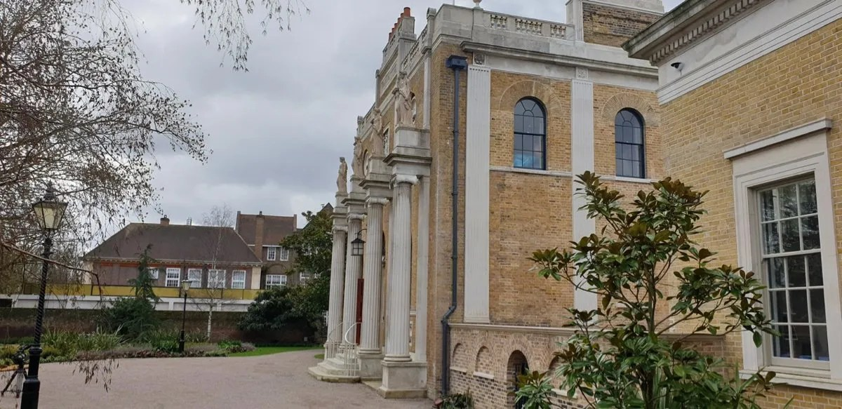 Pitzhanger Manor John Soane Neo classical house with pillars