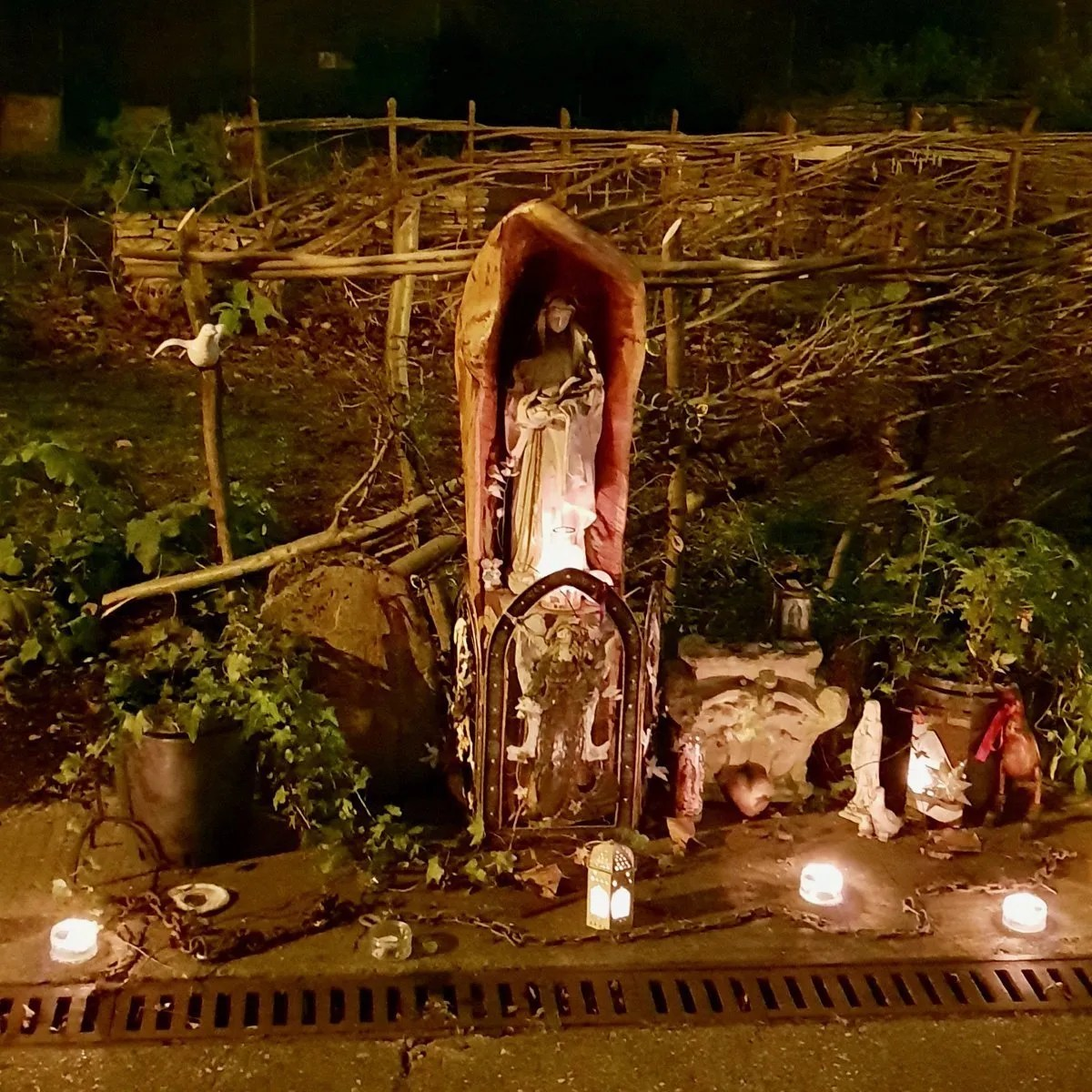 Crossbones shrine
