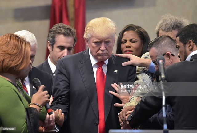 donald-trump-prayer
