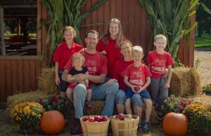 Familia lui Steve Tennes la Country Mill Farms