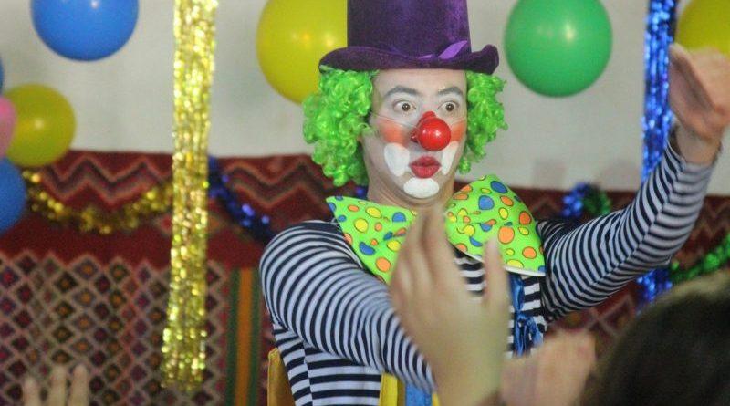 Spectacle de Hamid Achouri avec Clown et Magicien à Alger