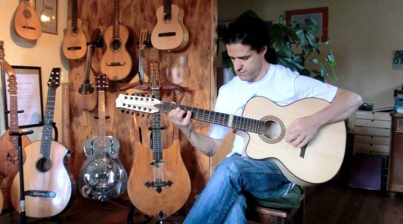 Djamel Laroussi en concert à Alger