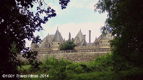 "Experimenting ""La Vie de Château"" in south of France"