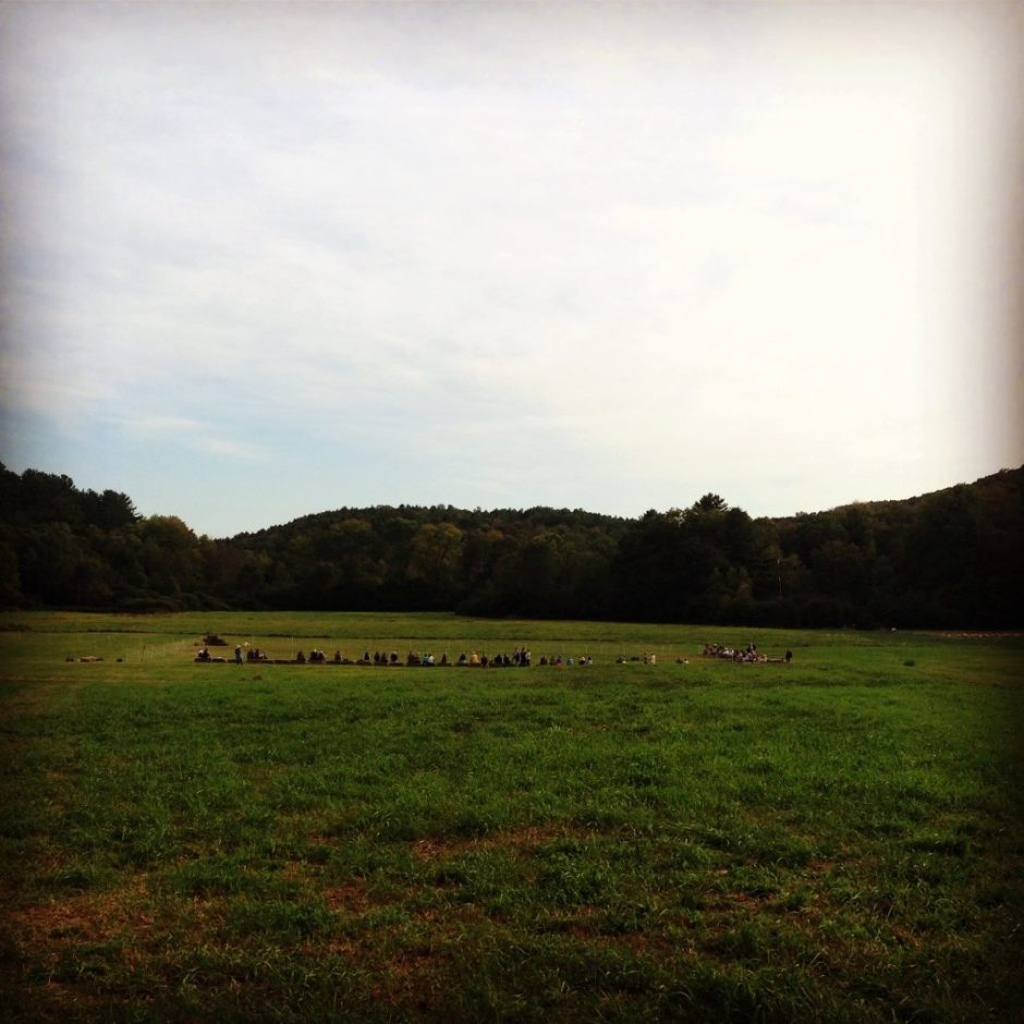 The audience of DOGGIE HAMLET at Vermont Shepard Farm, before the show. (Photo by Rachel Lauder Nalebuff.)