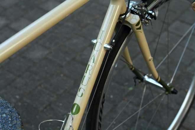 icarus light touring city bike (1)