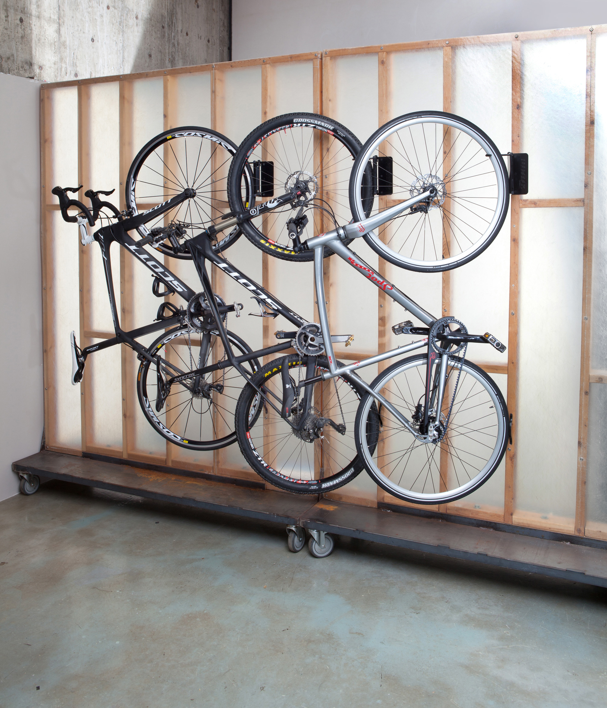 feedback sports velo hinge bicycle wall rack hanger. Black Bedroom Furniture Sets. Home Design Ideas