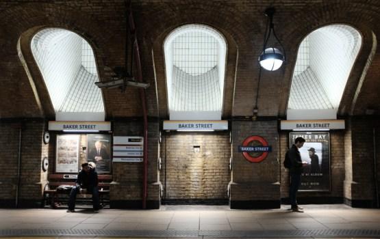 LONDON: ก้าวสู่ชานชาลาแห่งอดีตที่ Baker Street สถานีรถไฟใต้ดินยุควิคตอเรียนสายแรกของโลก