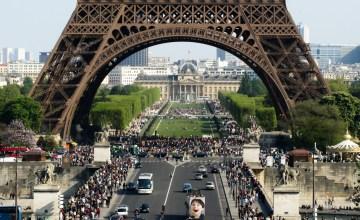 """""""ปารีสสกปรกเกินไปสำหรับชาวญี่ปุ่น"""" ญี่ปุ่นรวมตัวช่วยทำความสะอาดกรุงปารีสกระตุ้นตลาดท่องเที่ยว"""