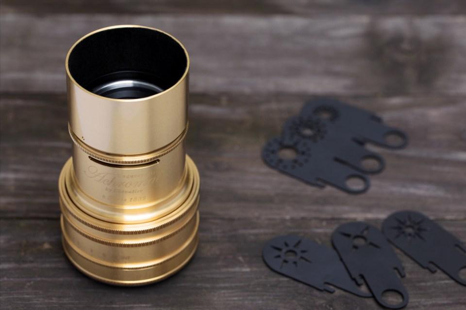 Lomography-Daguerreotype-Achromat-2,9---64-Art-Lens_brass_mood
