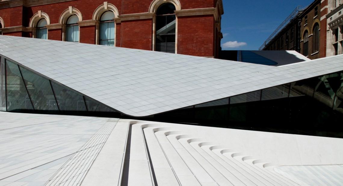 พาไปเดินชมลานกระเบื้องพอร์ซเลนแห่งแรกของโลกที่พิพิธภัณฑ์ V&A