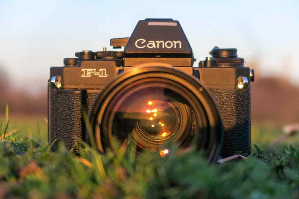Canon F1 Review (Where the war with Nikon began!)