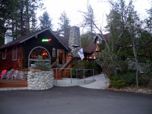 outdoor patio in idyllwild