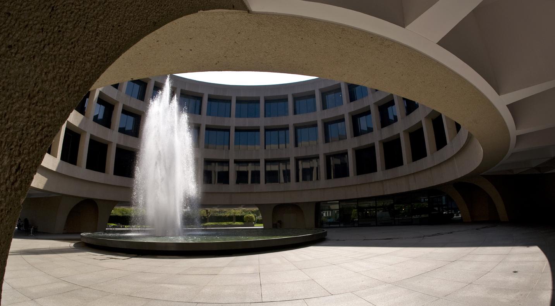 HMSG_building_fountain