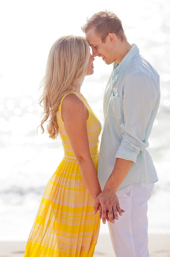 Stylish Palm Beach engagement session by capturedbyjen.com. creative engagement photo ideas. outdoor engagement photo ideas. engagement photo ideas for fall. winter engagement photo ideas. engagement photo poses. summer engagement photo ideas. engagement photo prop ideas. Engagement pictures. Engagement photos what to wear.