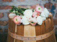 rustic outdoor wedding ideas that are unique. Rustic wedding decoration ideas. Rustic decorations on a budget. Rustic wedding planning ideas. Rustic decorations for a wedding. Cheap rustic wedding ideas. Outdoor wedding ideas on a budget. DIY outdoor wedding ideas. #rusticwedding