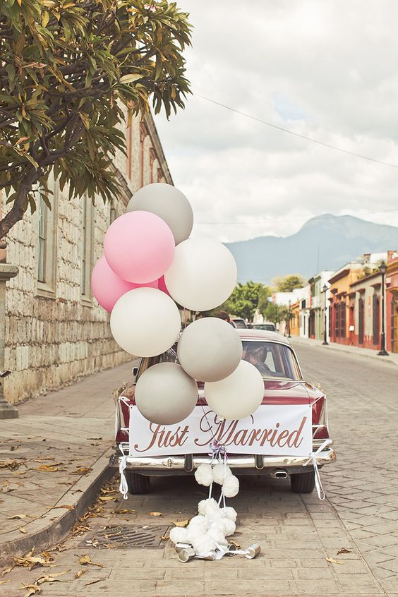 wedding car decoration. How to decorate your the wedding car for your wedding. Car wedding decoration ideas that you should try. Wedding trends that we wish will make a comeback. #weddingtrends #weddingideas