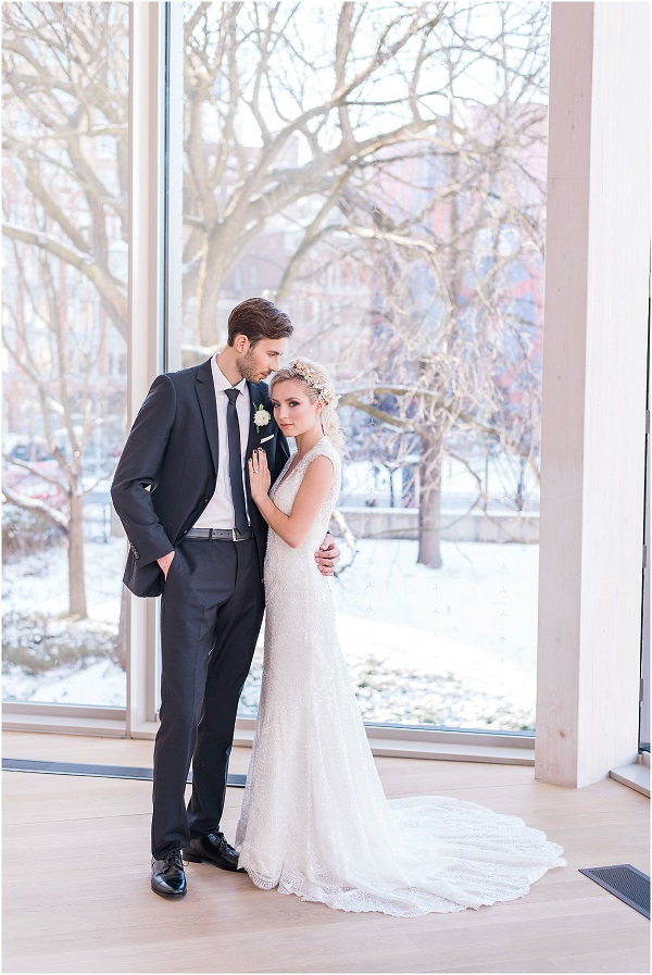 Photography by Emma. How to find the best wedding photographer in Ottawa. Looking for an Ottawa wedding photographer is now as easy as clicking this post. Looking for Affordable Wedding photographers in Ottawa. Wedding Photographers in Ottawa with beautiful photos. #weddingphotographer #Ottawaweddingphotographer