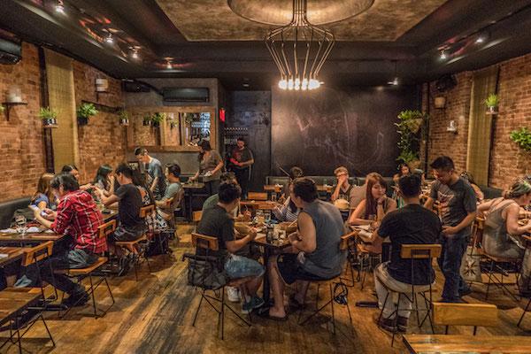 Thailand's Borders: Khe-Yo dining room