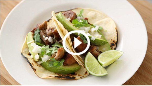 YUM! Cinco de Mayo tacos y Horchata!