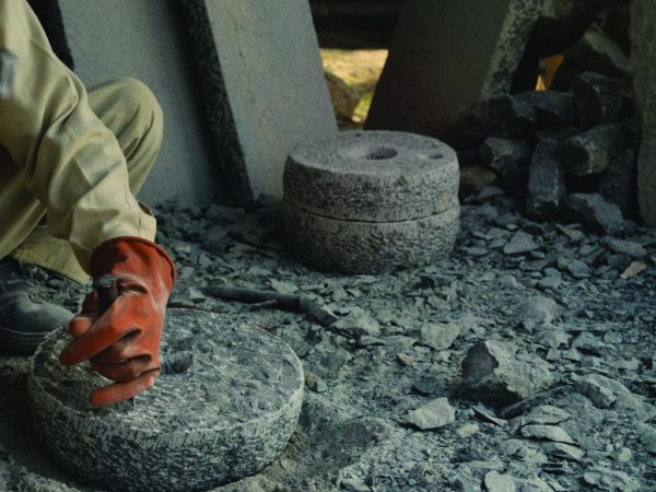 The amazing life purpose and dying art of Kashmir Stone Carvers