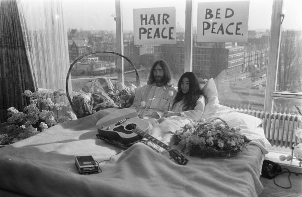 Image of Yoko Ono and John Lennon during one of their bed-ins