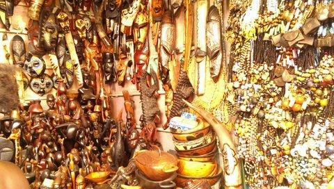 Toeristen betalen snel te veel Dalasi