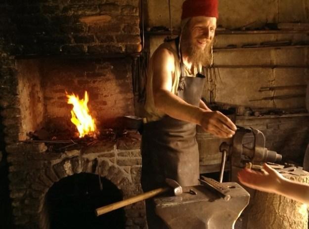Archeon: de smid smeedt het gloeiend hete ijzer