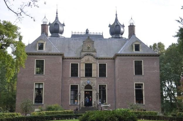Jan Wolkers en Me Too : kasteel Oud Poelgeest, inspiratiebron voor ''het Trillenbeest'' van Jan Wolkers