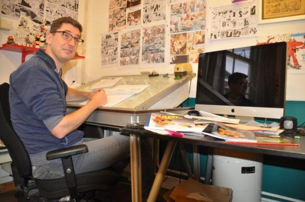 Haarlemse striptekenaar Gerben Valkema in zijn atelier