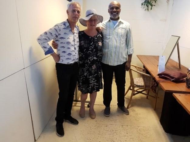 Humphrey Campbell en Cor Bakker gaven op 22 juli een swingend concert in het Tuintheater van de Arendshoeve te Aalsmeerderdijk. Na afloop omarmde ik als dank beide artiesten