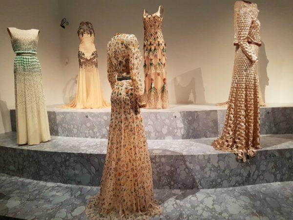 Expositie ''Reflections'' over de creaties van Koningin Máxima's favoriete couturier Jan Taminiau