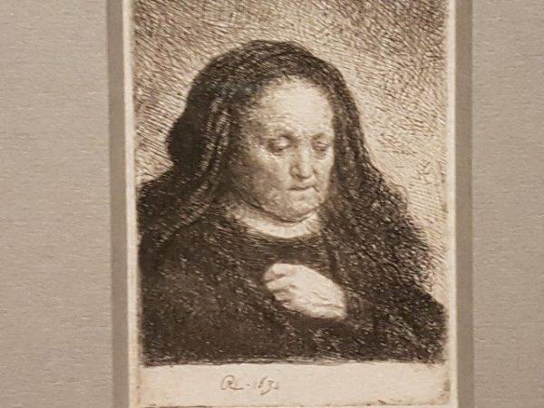 Expositie Alle Rembrandts, de moeder van de kunstenaar met de hand op haar borst, 161, ets 94x67cm ,