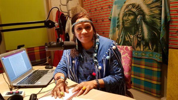 Joanita Lindveld geeft via SuriMama aan indinanenstam Arowakken een stem