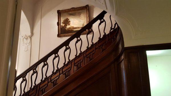 trap met werk toegeschreven aan Frans de Hulst naar Simon Ruysdael