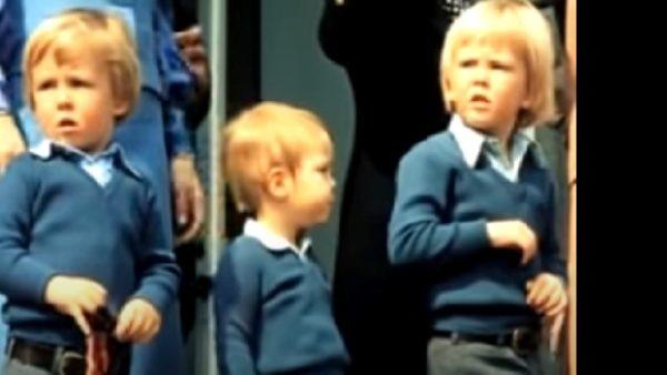Majesteit, ik zie u nog als peuter op het bordes staan tijdens het defilé voor uw oma op Koninginnedag