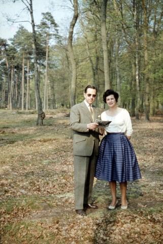 10 mei Cocky en Anton in het Kralingse bos 1952