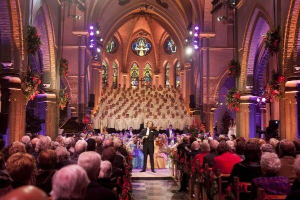 De muziek van André Rieu, als jochie van 9 zong hij in het koor van de Sint Servaas, copywright Andre Rieu Productions