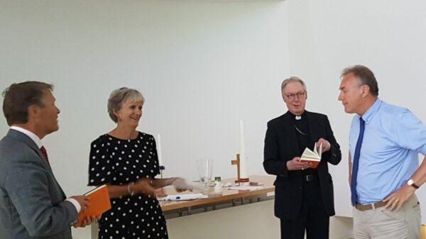 'Kerk in tijden van corona' van links naar rechts: Rene Reuver, Nynke Dijkstra, Mgr G.de Korte, Leo Feijen