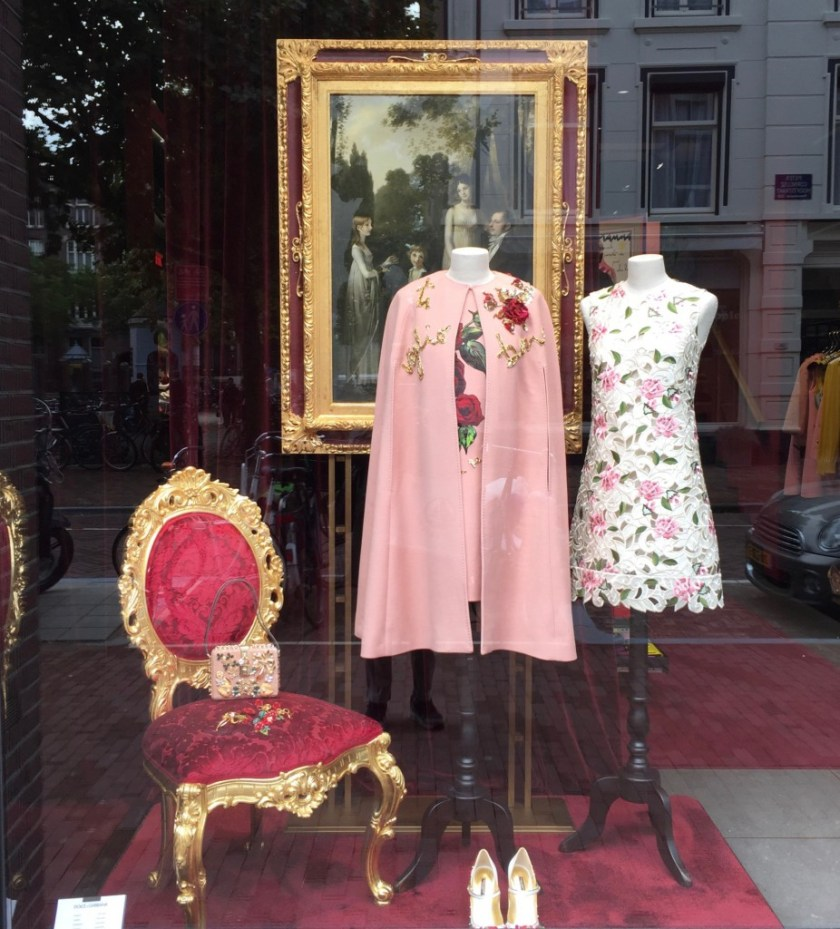Cultuur en Retail. Dolce & Gabanna winkel. Amsterdam 2015.