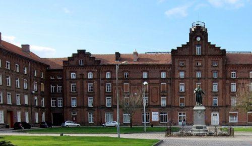 De Familistère is een bouwwerk waar de filosofie van het utopisch socialisme ten volle is uitgewerkt.